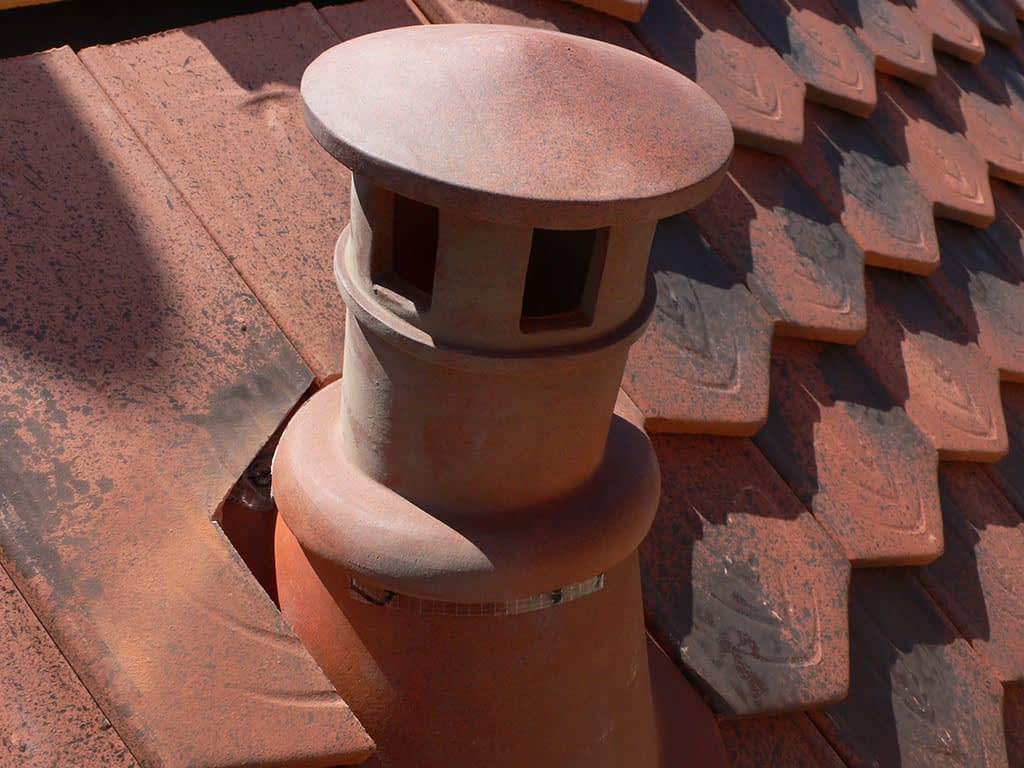 Rénovation toiture. Cheminée d'aération.