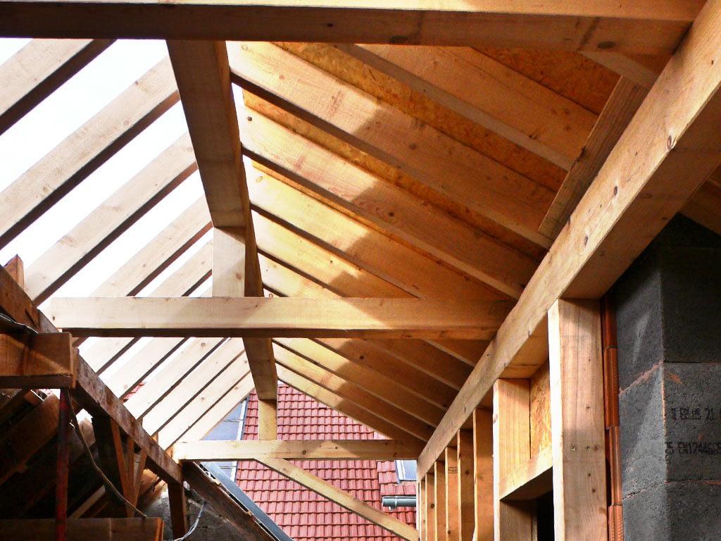 Couverture d'une extension de maison. vue intérieure